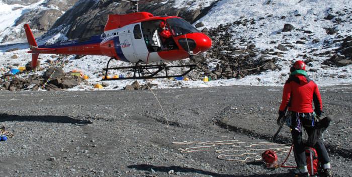Luftretter von Fishtail Air lernen von den Spezialisten der Air Zermatt