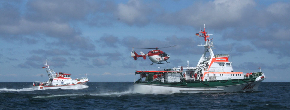 Landung Rettungshubschrauber auf Seenotrettungskreuzer