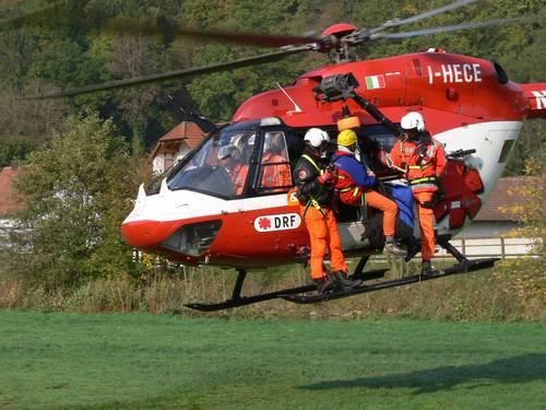 Einsatz des Rettungshubschraubers als Rettungsgerät - Bild: www.bergwacht-bayern.org