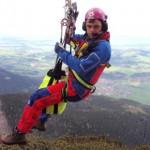 Bergretter beim Windeneinsatz - Bild: www.rettungsdienst.de