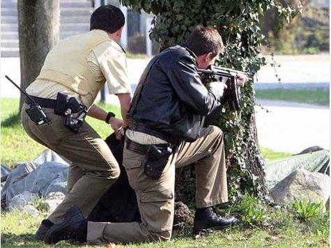 Streifenpolizisten bei einem Amoklauf - Quelle: www.tz-online.de