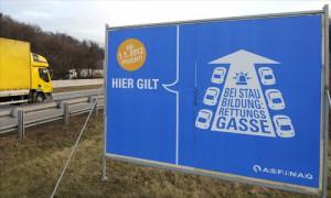 Schild zur Rettungsgasse - Quelle: diepresse.de