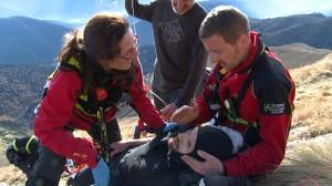 Notarzt und Rettungsassistent des Rettungshubschrauber Pelikan 1 aus Bozen im Einsatz