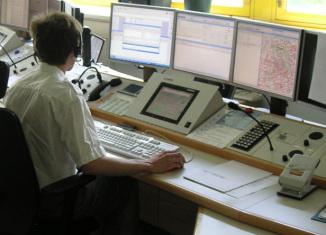 Leitstelle Rettungsdienst Feuerwehr Rettungsleitstelle Integrierte Disponent Leitstellendisponent Emergency Dispatcher